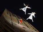 2014-12-14-48-potsdamer-platz-vertical-dance-weihnachtsmann-show