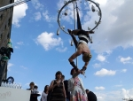 fliegender-sektempfang-show-luftakrobatik-02