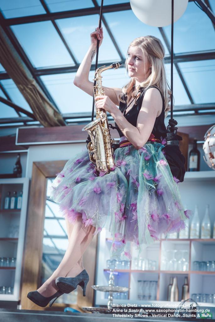 ThreesixtyShows-Saxophonistin-04