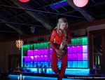 ThreesixtyShows-Saxophonistin-01