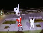 Weihnachtsmann Show in Berlin mit Luftakrobatik