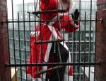 weihnachtsmann-show-klettern-abseilen-stunt-04