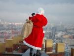 weihnachtsmann-show-klettern-abseilen-stunt-12