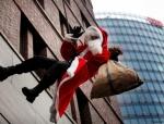 weihnachtsmann-show-klettern-abseilen-stunt-15