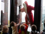 weihnachtsmann-show-klettern-abseilen-stunt-05