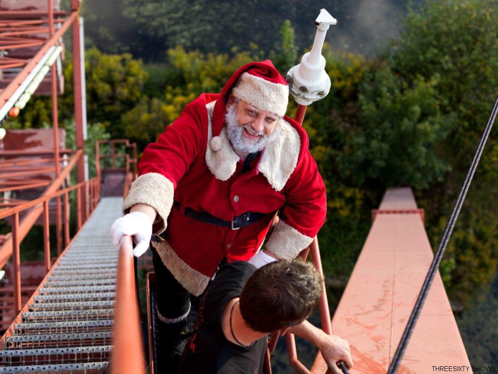 weihnachtsmann-show-klettern-abseilen-stunt-01
