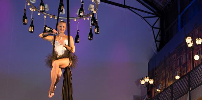 Skybar, fliegender sektempfang, Showact Hochzeit, Gala